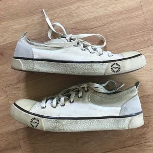 UGG Cream Colored Sneakers Size 9